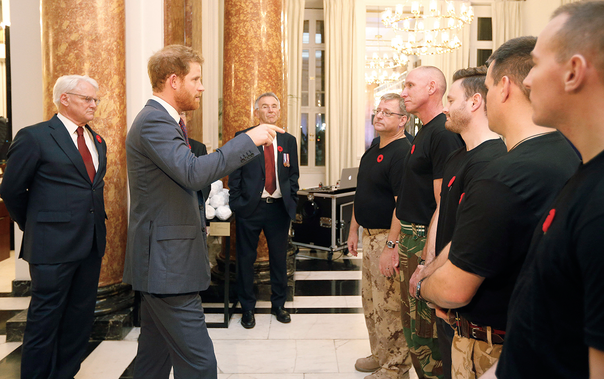 Prince Harry meeting Contact!Unload performers